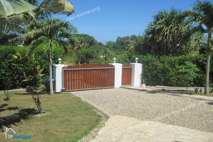 how to buy real estate in dominican republic