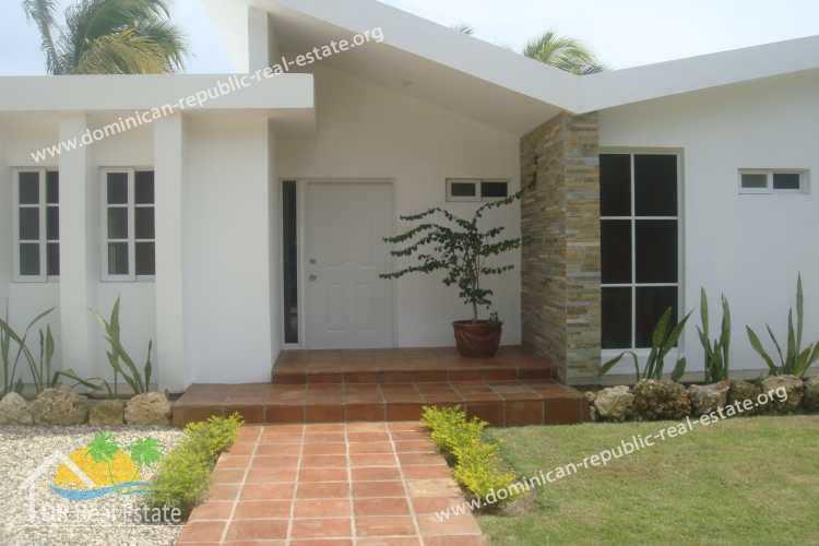 bauen in der dominikanischen republik musterhaus typ kaya 2 schlafzimmer 2 b der. Black Bedroom Furniture Sets. Home Design Ideas